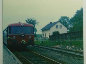 Schienenbus Baureihe VT 98 am Rohlfshagener Bahnhof